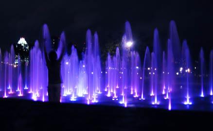 web-04-fountain.jpg